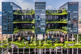 Incredible Singapore hotel takes gardens into the sky