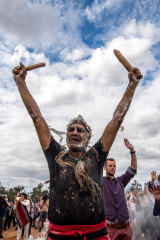 Mutthi Mutthi elder Dave Edwards takes part in the repatriation of the remains of Mungo Man and 104 other ancient ancestors in Balranald, NSW.