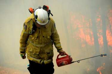 Firefighters backburn as 40s loom for parts of the state