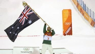 Matt Graham celebrates his silver medal.