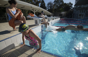Sydney is set to enjoy warm weather over the long weekend.