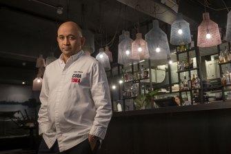 Sunday closures, $10k sign-on bonuses as restaurants, cafes battle staff shortage