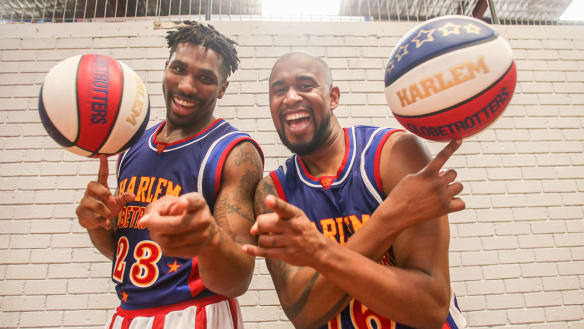 Globetrotters say Simmons has world in his hands