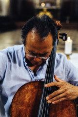 Yo-Yo Ma captivated 2500 people with his solo cello.