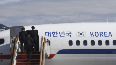 A group of high-level South Korean officials has left for North Korea for talks on North Korea's nuclear program and ways to help resume talks between Pyongyang and Washington.