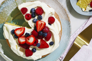 Adam Liaw's easy berry Chantilly cake.