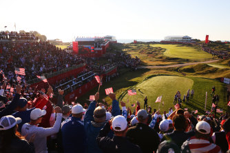 Huge crowds arrived early in the morning at Whistling Straits.