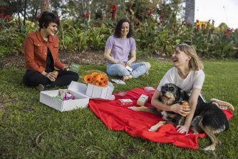 Masha, Raechyl, Leah & Buster the dog enjoying a picnic.