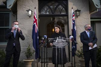 Prime Minister Scott Morrison, Premier Gladys Berejiklian and NSW Treasurer Dominic Perrottet announce a lockdown support package.
