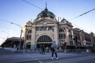 Melbourne's outdoor masks rules did not change on Friday.