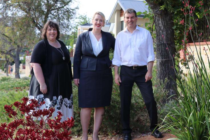 Water Minister Dave Kelly, Town of Victoria Park Deputy Mayor Vicki Potter and Edwina Jones.