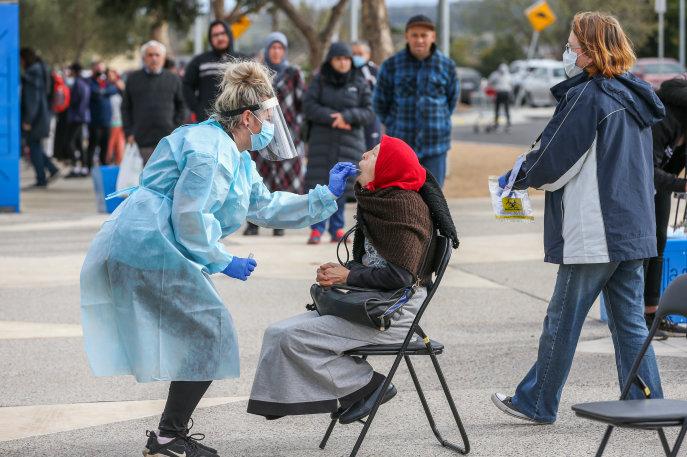Lockdown takes effect in the midst of coronavirus pop-up testing in Melbourne.