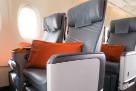 Singapore struggles to fill premium economy on world's longest flight