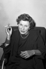 Judith Anderson on her return to Australia in September 1955 to appear in Medea.