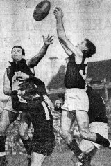 Fitzroy versus Carlton at Brunswick St Oval in 1960.