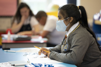 High school students will need to wear masks when schools reopen