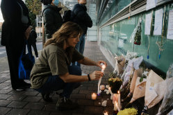 Caroline Kostamo, who lives nearby and spent time with Peter each day, organised a candlelit vigil.