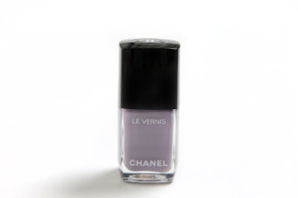 Chanel Le Vernis Nail Colour in Purple Ray.