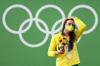 An emotional Jessica Fox celebrates a gold medal a lifetime in the making in Tokyo.