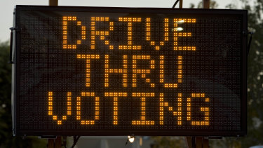 Drive-through voting in Orange County, California, in 2008.