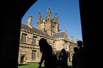 Universities are hoping that delays in Australia's rollout of COVID-19 vaccines will not further restrict the return of international students to their campuses.