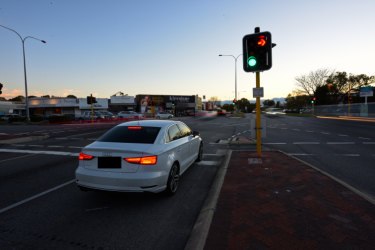 Perth's red light turning arrow trial has been aborted early after an increase in crashes.