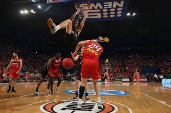 Jock Landale slams a dunk home.