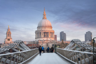 As 7000 tourists can pass through St Paul's Cathedral on a busy summer's day, timing your visit is everything.