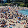 Sydney beaches packed as forecasts for NSW set to top 30 degrees