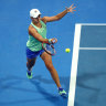Barty fights her way past Muguruza, Djokovic maintains winning streak