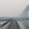 Smoke haze makes Melbourne's air quality world's worst, for a time