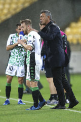 Western United coach Mark Rudan talks to Connor Pain.