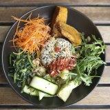 Verdura Salad Bowl with Vegan Roasted Pumpkin.