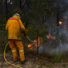 Fire conditions to ease but smoke lingers for Sydney until Saturday