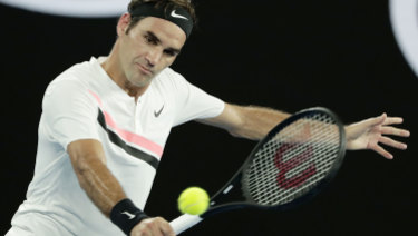 Roger Federer is closing in on reclaiming the world No.1 ranking.