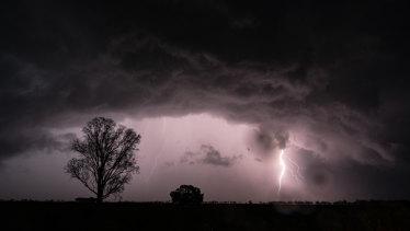 Thunderstorms over Warren, northwest of Dubbo, on Friday.