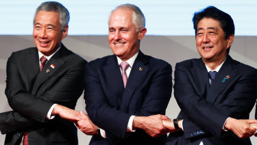 Singapore Prime Minister Lee Hsien Loong with Malcolm Turnbull and Japanese Prime Minister Shinzo Abe at the 2017 East Asia Summit.