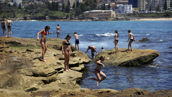'High intensity' heatwave conditions tipped for Australia Day weekend