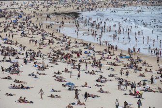 Crowds flock to Bondi Beach last year. The growth in Sydney's population was much quicker during the 2010s than the previous decade.