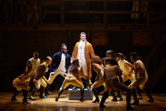 Jason Arrow and the Australian cast of Hamilton.