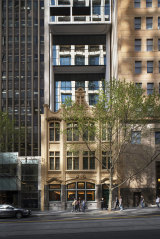 With only just over 11 metres in width to work with, Bates Smart has managed to create 259 apartments over 40 levels.