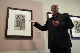Senior researcher Teio Meedendorp with the previously unknown Van Gogh drawing.