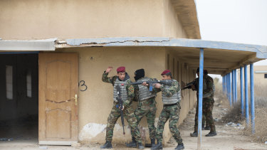 Iraqi Army soldiers being trained by Australian and New Zealand soldiers at Taji Military Complex, Iraq.