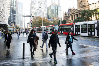 Thousands in Sydney asked to self-isolate as virus 'elimination' pushed to 2021