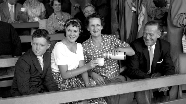A family attend the 3rd Test at the SCG.