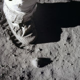 A close-up view of an astronaut's foot and footprint in lunar soil, 1969.A lack of atmosphere means the footprints of Neil Armstrong and Buzz Aldrin are probably still there.
