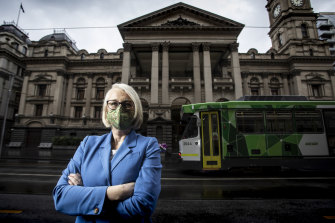 Lord mayor Sally Capp has joined business leaders and the opposition in calling for public servants to return to the CBD.
