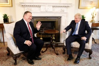 US Secretary of State Mike Pompeo and British Prime Minister Boris Johnson discuss the role of Huawei in British 5G networks at Downing Street on January 30.
