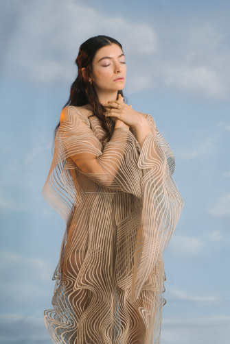 """Lorde links sounds to colours in her mind. She says Solar Power has """"lots of golds and yellows and oranges and browns""""."""
