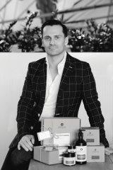 Paul Tsalikis is the founder of Appelles.